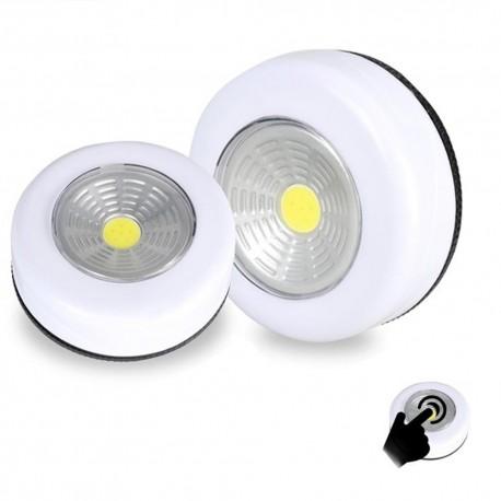 LED šviestuvas su baterijomis